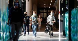 """Число зараженных """"ковидом"""" израильских школьников продолжает расти"""