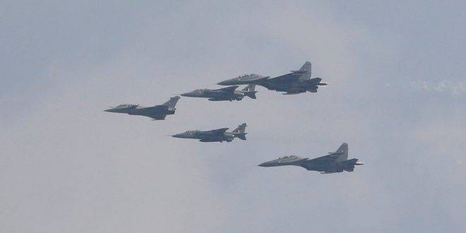 Су-30 уничтожить! Российский Су-35 вместо фотовыстрела сбил свой же самолет