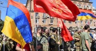 """В Армении объявлены всеобщая мобилизация и военное положение. Президент Азербайджана обещал """"отомстить за смерть шахидов"""""""