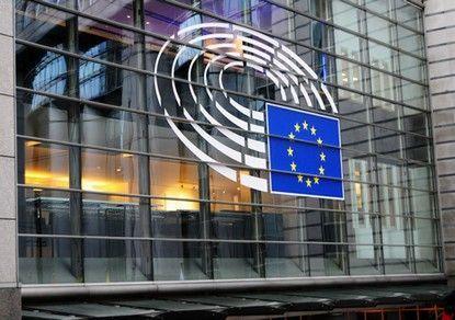 В Еврокомиссии жестко предостерегли Венгрию от закупок российской или китайской вакцины