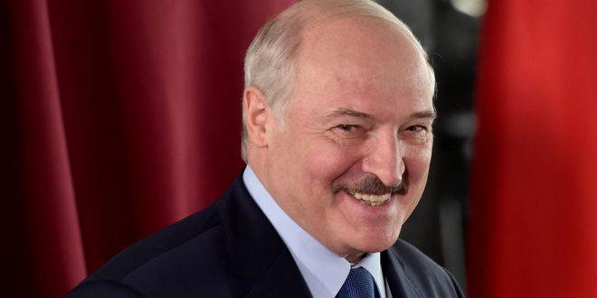 Лукашенко призвал исключать протестную молодежь из вузов и забирать в армию