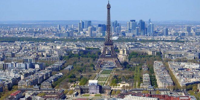 полиция пришла с обысками к экс-премьеру и главе Минздрава Франции