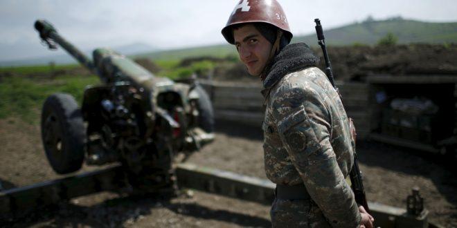 Премьер Армении заявил об отступлении, Россия начала бомбить лагеря наемников, воюющих за Азербайджан