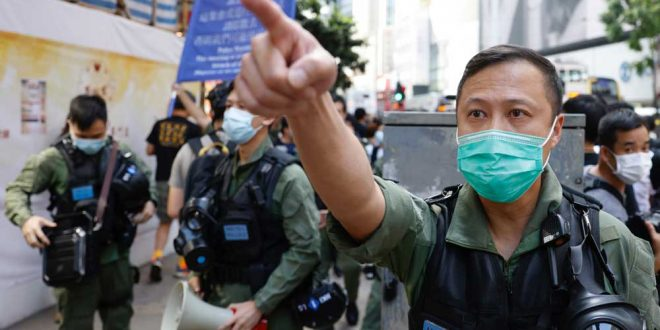 """На Фиджи китайские дипломаты вломились к тайванским коллегам и """"вломили"""" им"""