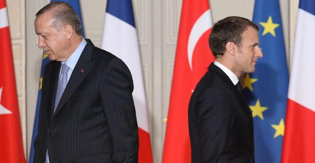 Франция отзывает посла из Турции, яффские арабы швыряют камни у французского посольства