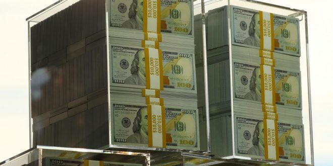 """""""Ковид"""" сократил число долларовых миллионеров в мире"""
