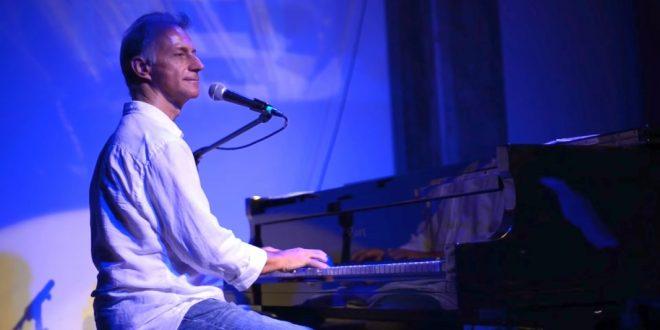 """Знаменитый израильский музыкант улетает в Италию – """"подальше от израильского хаоса"""""""