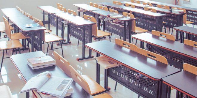 """возобновляется учеба в младших классах, учеников разместят по """"капсулам"""" и отправят по домам"""