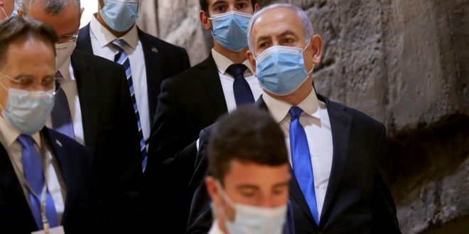 Коронавирус пробрался в канцелярию израильского премьера