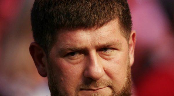 """Вслед за чеченским муфтием: Кадыров назвал Макрона """"террористом"""""""