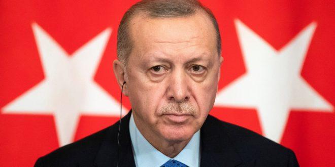 """Турция завела уголовное дело против """"Шарли Эбдо"""" за """"гнусную"""" карикатуру на Эрдогана"""