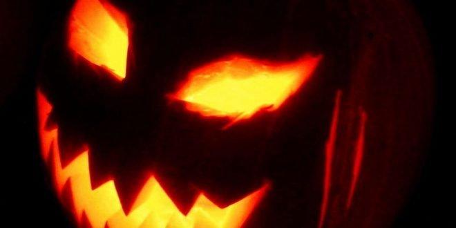 Американец так украсил дом на Хэллоуин, что оказался под пристальным вниманием полиции