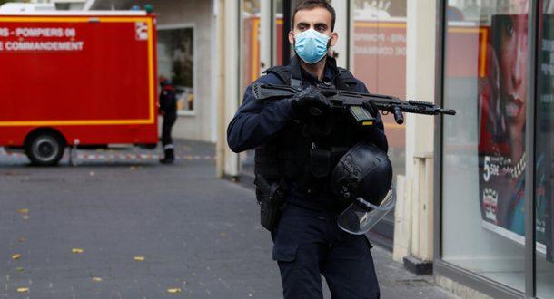 Исламский теракт в Ницце: террорист отрезал голову женщине и убил еще 2-х человек
