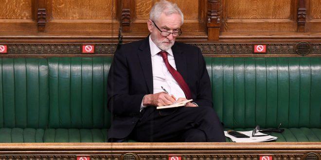 """бывшего лидера британских лейбористов исключили из партии за """"попустительство антисемитизму"""""""