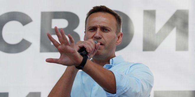 Навальный опасается нового отравления, но вернется в Россию, как только восстановится