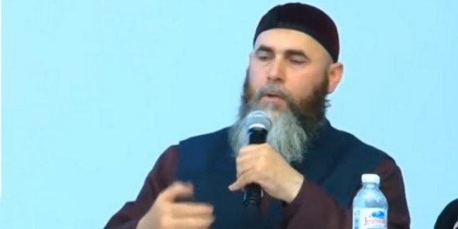 Муфтий Чечни объявил врагами всех французов, поддерживающих Макрона