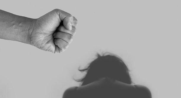 Пандемия вызвала резкий всплеск домашнего насилия: будет ли правительство решать проблему?