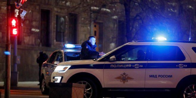 """В Москве дагестанец избил двоих полицейских у здания МВД, их хотят уволить """"за бездействие"""""""