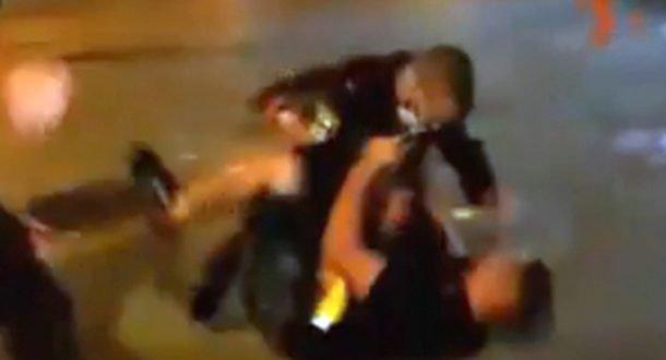 Холон: полицейские могут сесть за то, что били электрошокером мужчину без маски