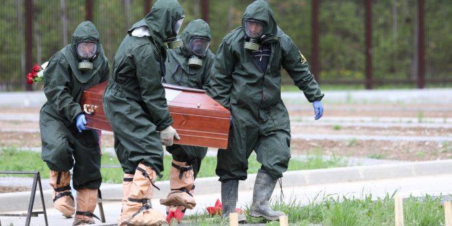 """На Алтае врач заболел """"ковидом"""" и умер из-за того, что ему не дали больничный"""