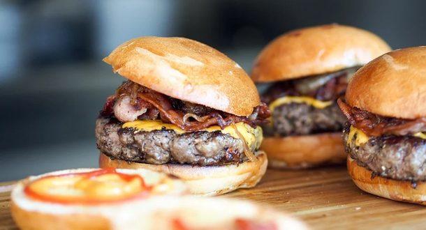 В Израиле открыли первый в мире ресторан искусственного мяса