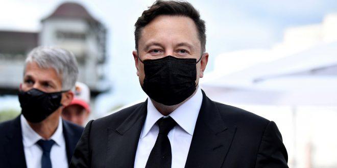 """Илон Маск сам поставил себе диагноз: """"умеренный"""" COVID-19"""