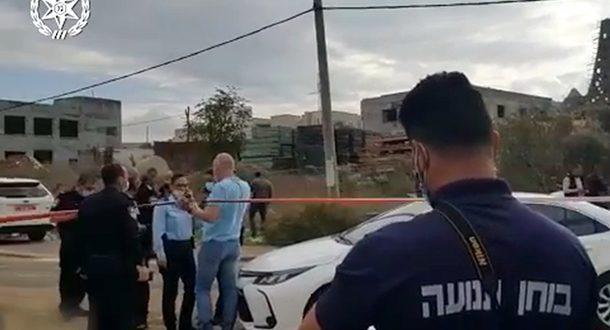 Волна убийств в арабском секторе: муж врезался в машину супруги и добил ее ножом