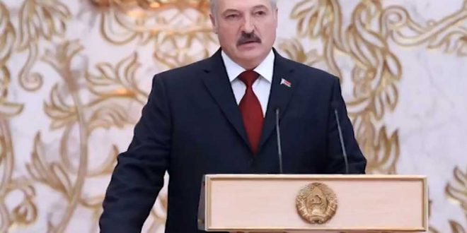 """Лукашенко потребовал навести порядок в Минске, не """"устраивать кладбищ"""", не доводить до гражданской войны"""