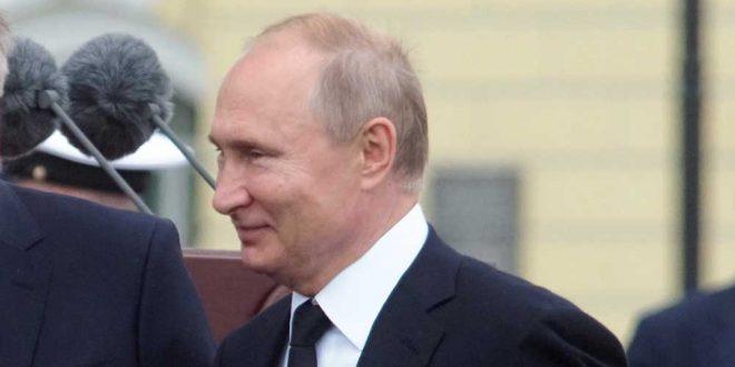 """В Госдуму РФ внесли """"обнуляющий"""" Путина законопроект"""