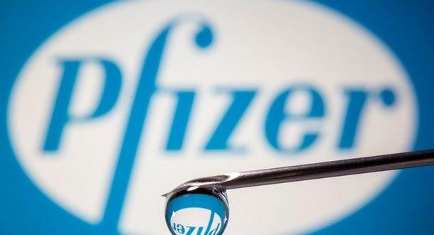 Вакцина Pfizer эффективна в 94% случаев для людей старше 65 лет