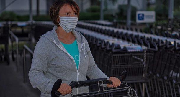 Ученые оценил риски заразиться коронавирусом через продукты, в магазинах и транспорте